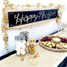 Reusable Metallic New Year\'s Sign