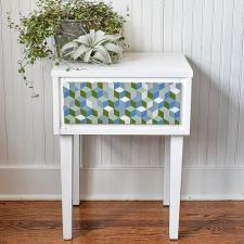 Hex-Patterned Table