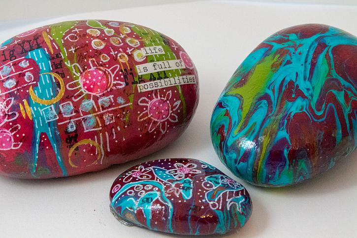 Paint Pouring on Pebbles