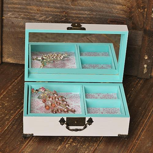 DecoArt Blog Crafts 15 DIY Jewelry Displays and Organizers