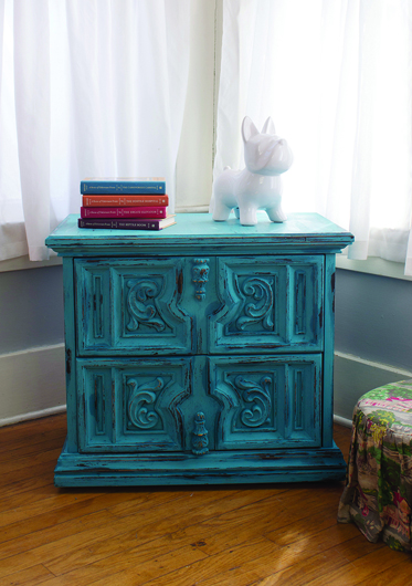 Decoart Blog Diy Distressed Chalky Finish Night Stand
