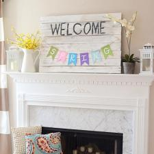 Welcome Spring Pennant Sign