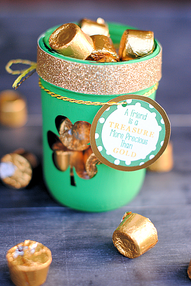 DecoArt Blog - Crafts - St. Patrick's Day Treat Jar