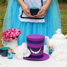 Alice in Wonderland Cheshire Cat Hat Décor by Morena Hockley