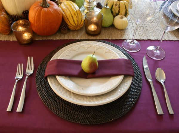 Plum thanksgiving table
