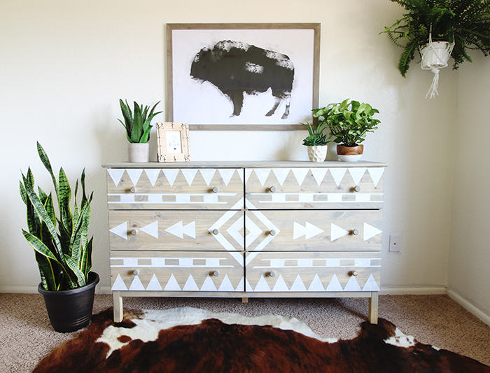 This Diy Aztec Inspired Dresser Makeover Is A Perfect Example Of Pairing Patterns With Indoor Plants Using Stain Paint And Tape You Can Recreate