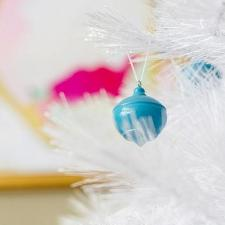 How To Paint Round Ornaments With Less Mess