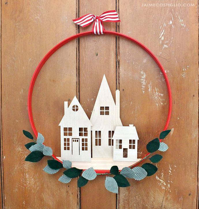 Simple Holiday Home Wreath