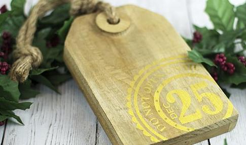 Wooden Christmas Tag Decor