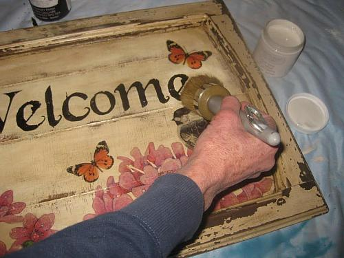 Vintage Rescued Welcome Sign Project By Decoart