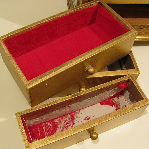 Shabby chic vintage jewelry box makeover project by decoart for Old jewelry box makeover