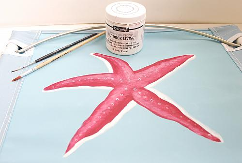 Use A Round Brush To Mix Garden Party With Picket Fence. Use The Mix To  Highlight The Center Of The Starfish.