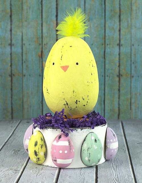 Chalky Finish Easter Chick Centerpiece