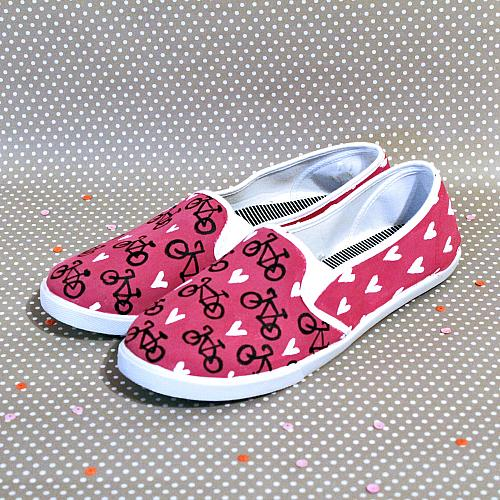 bicycle and hearts painted canvas shoes project by decoart