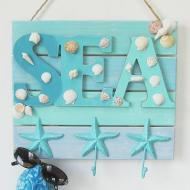 Beachy Sign with Hooks