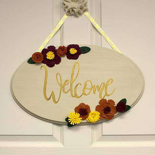 & Fall Welcome Door Sign - Project by DecoArt