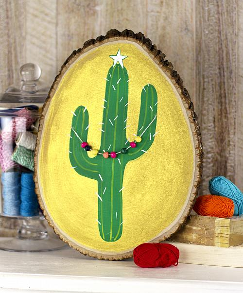 Cactus Decorated For Christmas: Cactus Christmas Tree Wall Décor
