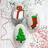 Christmas Tree Painted Rocks