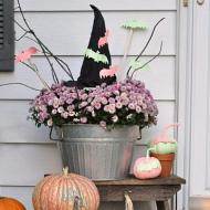 Pasteloween Witch's Hat Decor