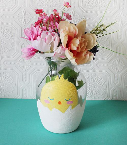 Cute Chick in An Egg Vase