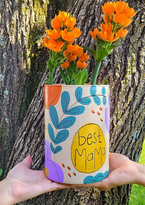 DIY Personalized Gift Vase for Mom